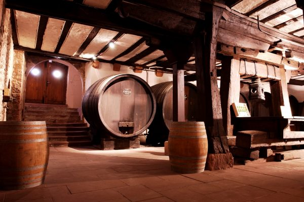 Dopff-Irion_The-castles-cellar-1945-picture-1